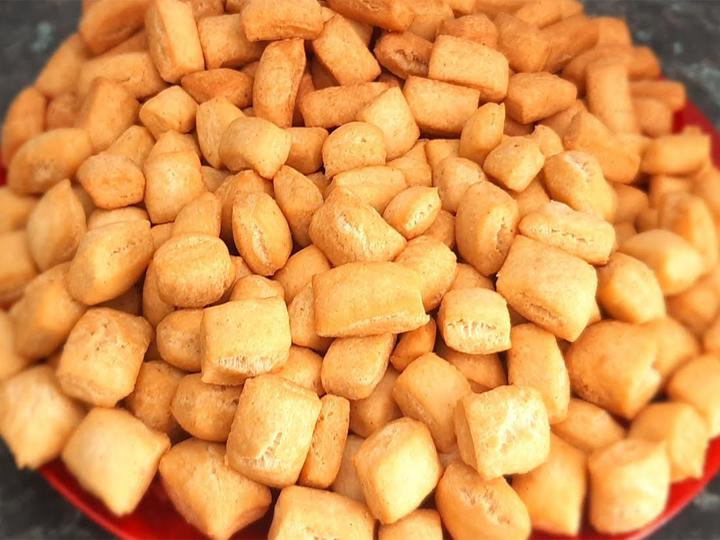 Chinchin snacks