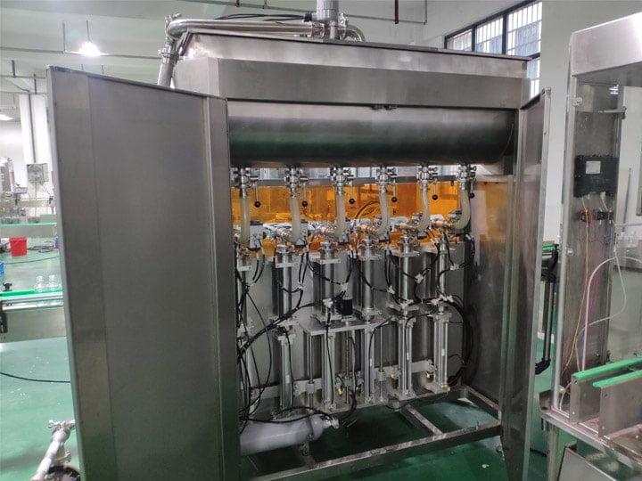 Piston-filling-machine
